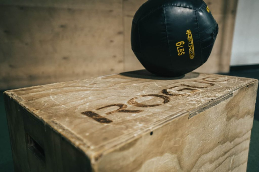 Medicine ball circuit for boxing