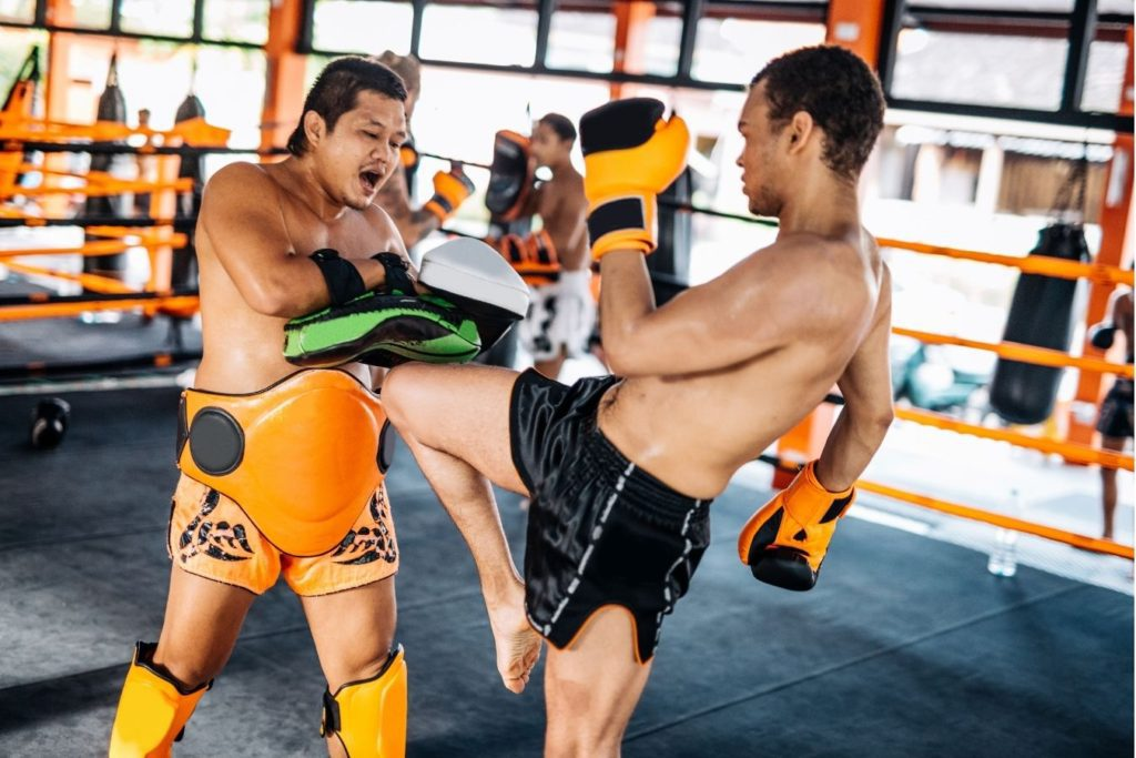 Is Muay Thai or Kickboxing better for self defense